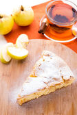 Slice of delicious fresh baked apple pie — Stockfoto