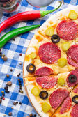 Pizza with salami — Stockfoto