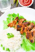 Cerdo marinado a la plancha con arroz — Foto de Stock