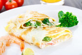 Omelet with shrimps and vegetables — Foto Stock
