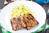 Grilled ribs with mashed potato — Foto Stock