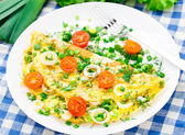 Omelette with fresh herbs — 图库照片
