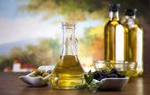 Olivový olej a olivy — Stock fotografie