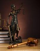 Starožitný socha spravedlnosti, práva — Stock fotografie