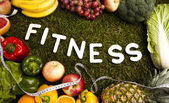 Fitness kost, vitaminer och grönt gräs — Stockfoto