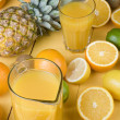 Orange juice and fresh fruits — 图库照片