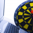 Stockfoto: Laptop & Darts