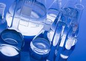 Szklany sprzęt laboratoryjny — Zdjęcie stockowe
