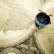 Old style compass and map — Zdjęcie stockowe