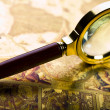 Magnifying glass — Foto de stock #30770689