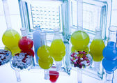Frascos de laboratorio con las drogas — Foto de Stock
