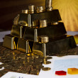 Pyramid, Gold Bars — Stockfoto