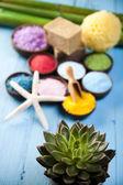 Spa, sea salt in wooden bowls — Foto Stock