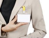 Zakenvrouw tonen haar badge — Stockfoto