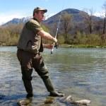 rybak na rzece — Zdjęcie stockowe