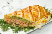 Traditional salmon in puff pastry — 图库照片
