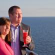 夫妇享受邮轮度假 — 图库照片