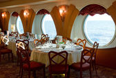 Restaurant on board a cruise ship ready for dinner — Stock Photo