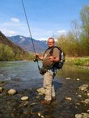 Balıkçı nehri üzerinde — Stok fotoğraf