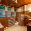 Large Modern Bathroom — Stock Photo