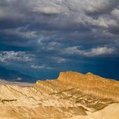在死亡谷薄命点日出 — 图库照片