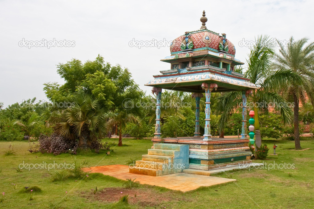 Altar in the garden of a tropical resort in Tamil Nadu, India. — Stock Photo #13167872