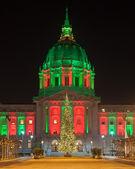 San francisco city hall a vánoční stromeček — Stock fotografie