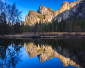 Cathedral Rocks Reflections — Stock Photo