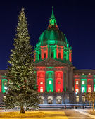 Christmas Tree at San Francisco City Hall — Stock Photo