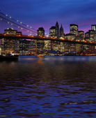 Brooklyn Bridge and Manhattan at sunset — Stock Photo