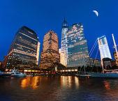 Centro financiero mundial en la noche — Foto de Stock