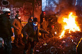 KIEV, UKRAINE - January 26, 2014: Euromaidan protesters rest and — Foto Stock