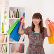 Asian girl shopping — Stockfoto
