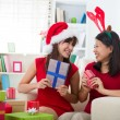 Friend lifestyle christmas photo — Stockfoto