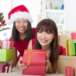 Chinese girls celebrating christmas — 图库照片