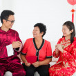 Chinese new year celebration by asian family — ストック写真