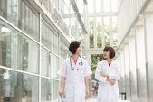 Doctoras del sur este asiáticos — Foto de Stock