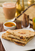 Chapati , Indian flat bread in plate usually served with curry — Stock Photo