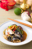 Steam fish head soy sauce, patin steamed with chinese style soya — Stock Photo
