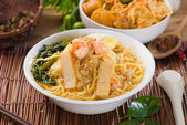 Malaysian famous prawn noodle or har mee with decorations on bac — Stock Photo