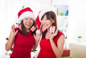 китайские девушки во время празднования рождества — Стоковое фото