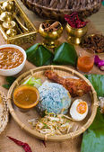 Nasi Kerabu , a traditional east coast blue rice, Famous in stat — Stock Photo