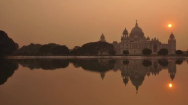 Victoria Memorial in the evening — Stock Video