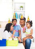 Indian family birthday celebration — Stockfoto
