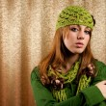 Beautiful blonde in retro cap and scarf — Stock Photo #2012193