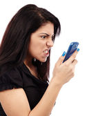 Naštvaná žena mluvila po telefonu — Stock fotografie