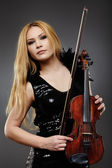 Beautiful violin player — Stock Photo