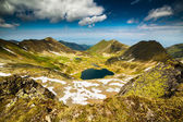 Glacial lake and mountains — Stock Photo