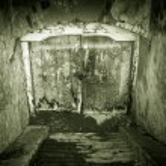 Grunge basement entrance — Stock Photo #9466141