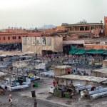 Market in the famous public square, in Marrakech, Morocco on Dec. 24, 2012. — Stock Photo